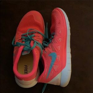 Nike women's 7.5 authentic sneakers almost new